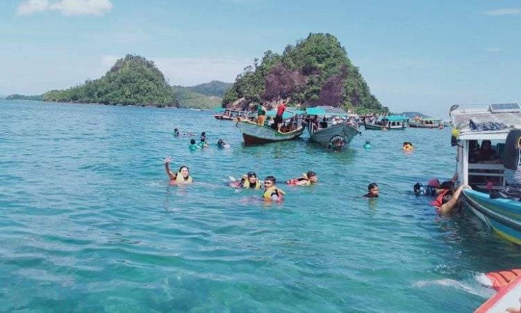 Kegiatan di Pulau Mandeh