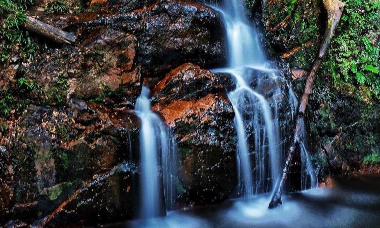 Daya Tarik Dimiliki Air Terjun Guruh Gemurai