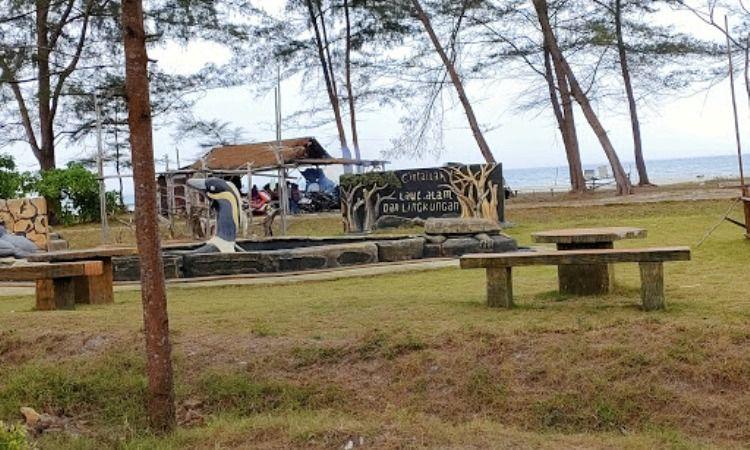 Fasilitas di Pantai Tambak Belitung
