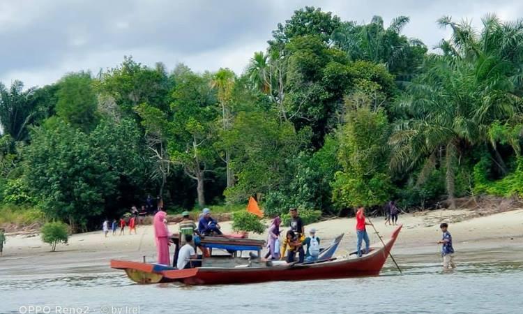 Kegiatan di Pulau Payung