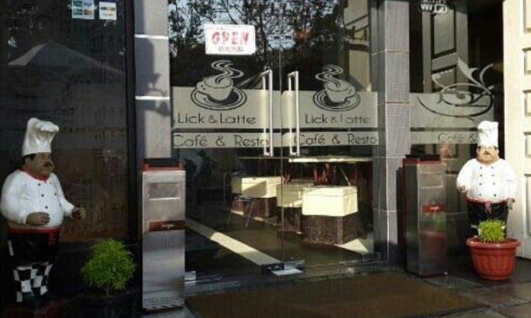 Lick & Latte Cafe Anda Resto