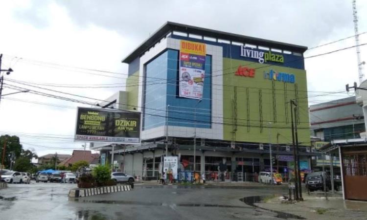 Living Plaza Padang