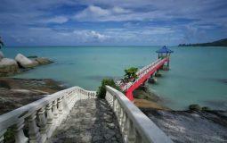 Pantai Tanjung Pesona, Pantai Indah yang Dilengkapi Wahana Air Seru di Bangka