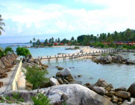 Pantai Tikus Emas, Wisata Pantai Eksotis Nan Indah di Bangka