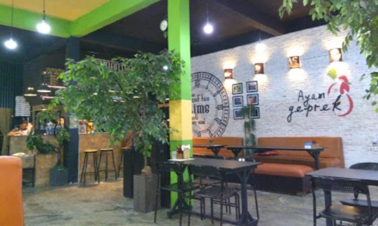 Taman Langit Café