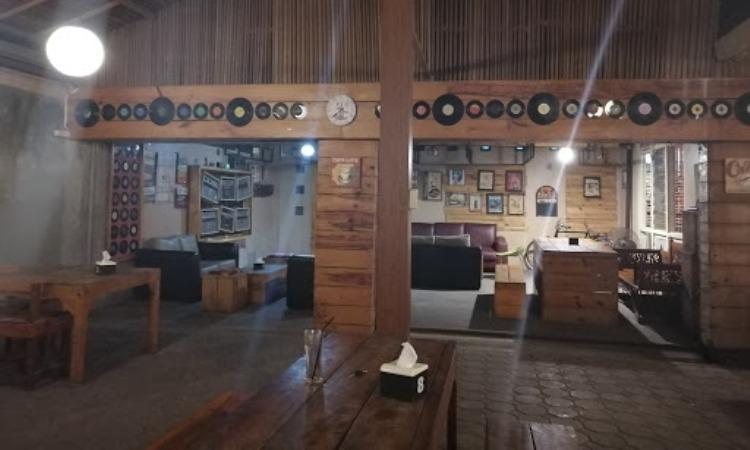 De Tambo Coffee House