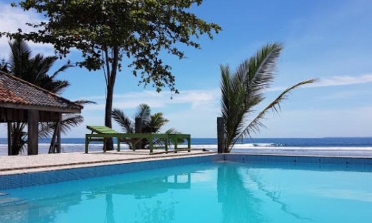 Fasilitas di Kawasan Pantai Tanjung Setia