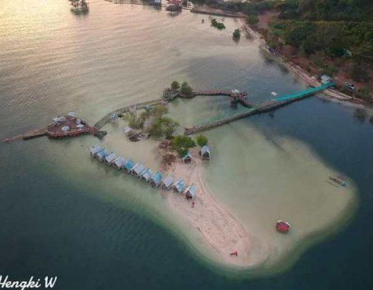 Pantai Dewi Mandapa, Pantai Indah dengan Panorama Hutan Bakau di Pesawaran